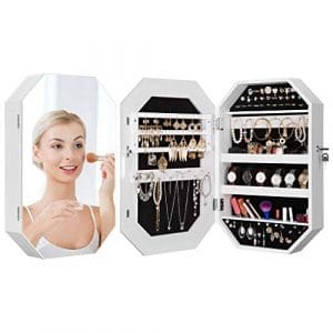 LANGRIA Armoire Miroir à Bijoux Mural en Forme de Diamant avec Porte Magnetique et Fermeture à Clef, Très Spacieux Rangement pour Bagues Boucles d'Oreilles Bracelets Collier Maquillage (Blanc)