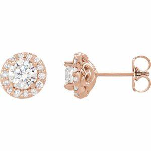 Magnifiques boucles d'oreilles avec fermoirs en diamant 5/8 carats.